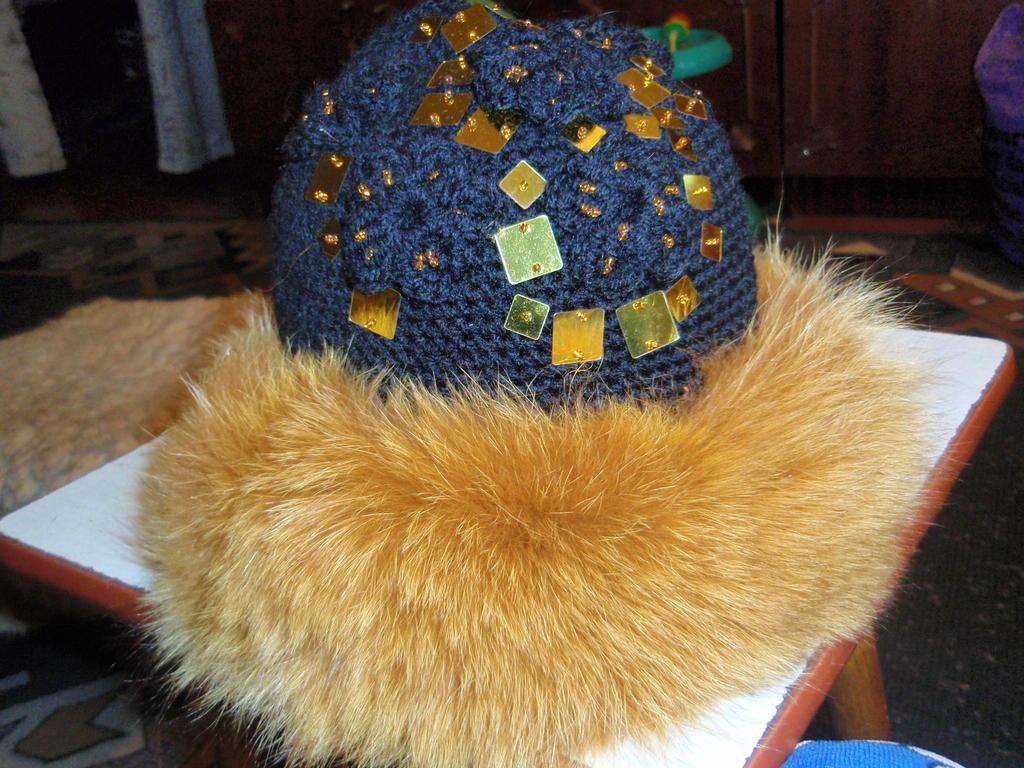 Вязание крючком шапок с мехом 24